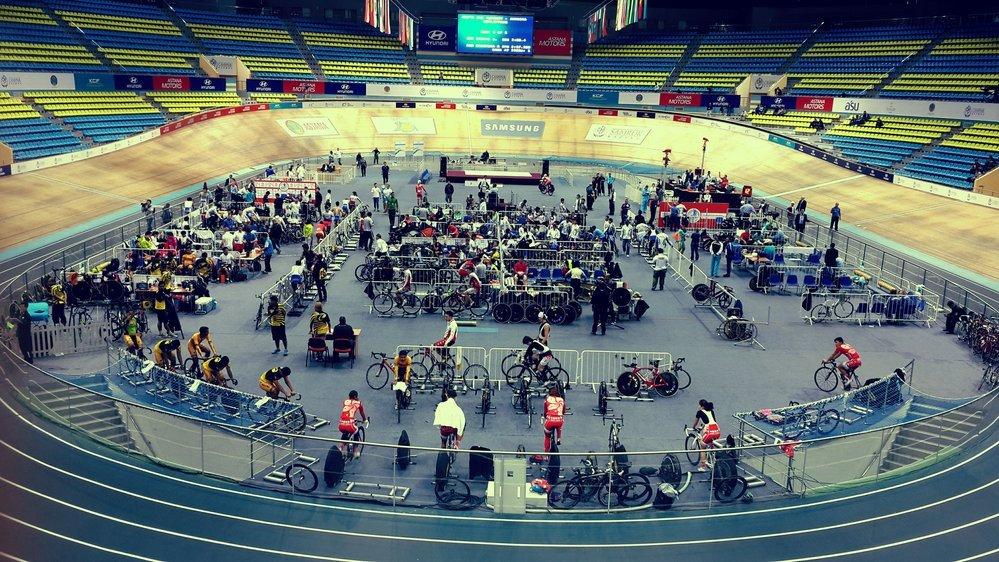 Спортивное оснащение велотреков