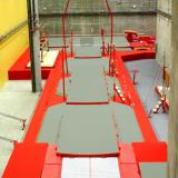 Напольная яма для приземления со встроенной платформой