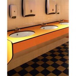 Оборудование для общественных душевых и туалетов в ассортименте